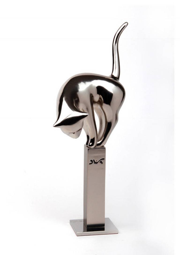 Misty. original sculpture resin - Sculpture by Bernard Rives