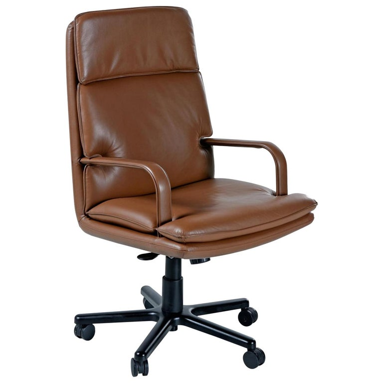 Bernd Munzebrock for Geiger-Brickel Bristol Leather Attaché Chair For Sale