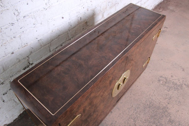 Bernhard Rohne for Mastercraft Hollywood Regency Burl Wood and Brass Bar Cabinet For Sale 2