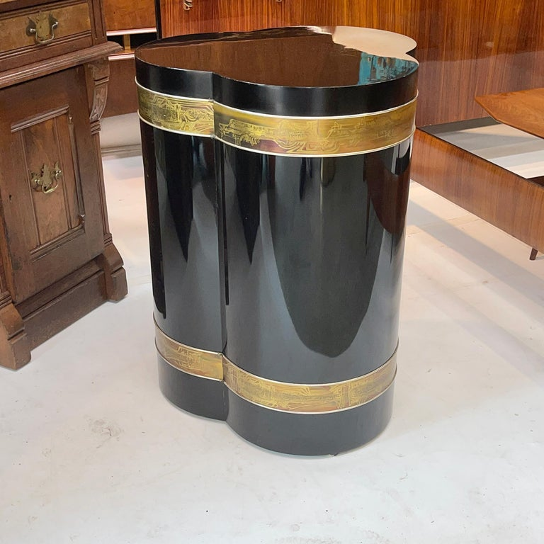 Mid-Century Modern Bernhard Rohne for Mastercraft Trefoil Pedestal Table For Sale
