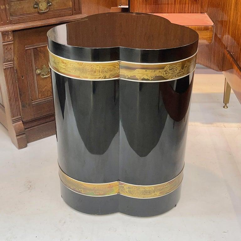 Late 20th Century Bernhard Rohne for Mastercraft Trefoil Pedestal Table For Sale