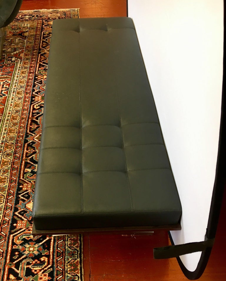 Bernhardt Black Leather and Mahogany Chaise Lounge Settee Lounger Daybed For Sale 4