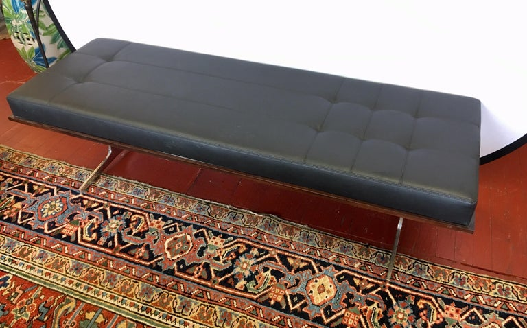 Bernhardt Black Leather and Mahogany Chaise Lounge Settee Lounger Daybed For Sale 5