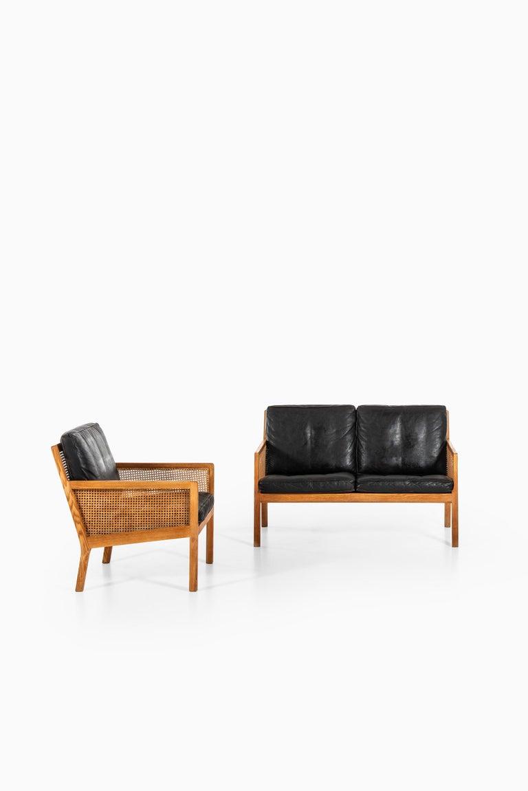 Bernt Petersen Sofa Produced by Wørts Møbelsnedkeri in Denmark For Sale 3