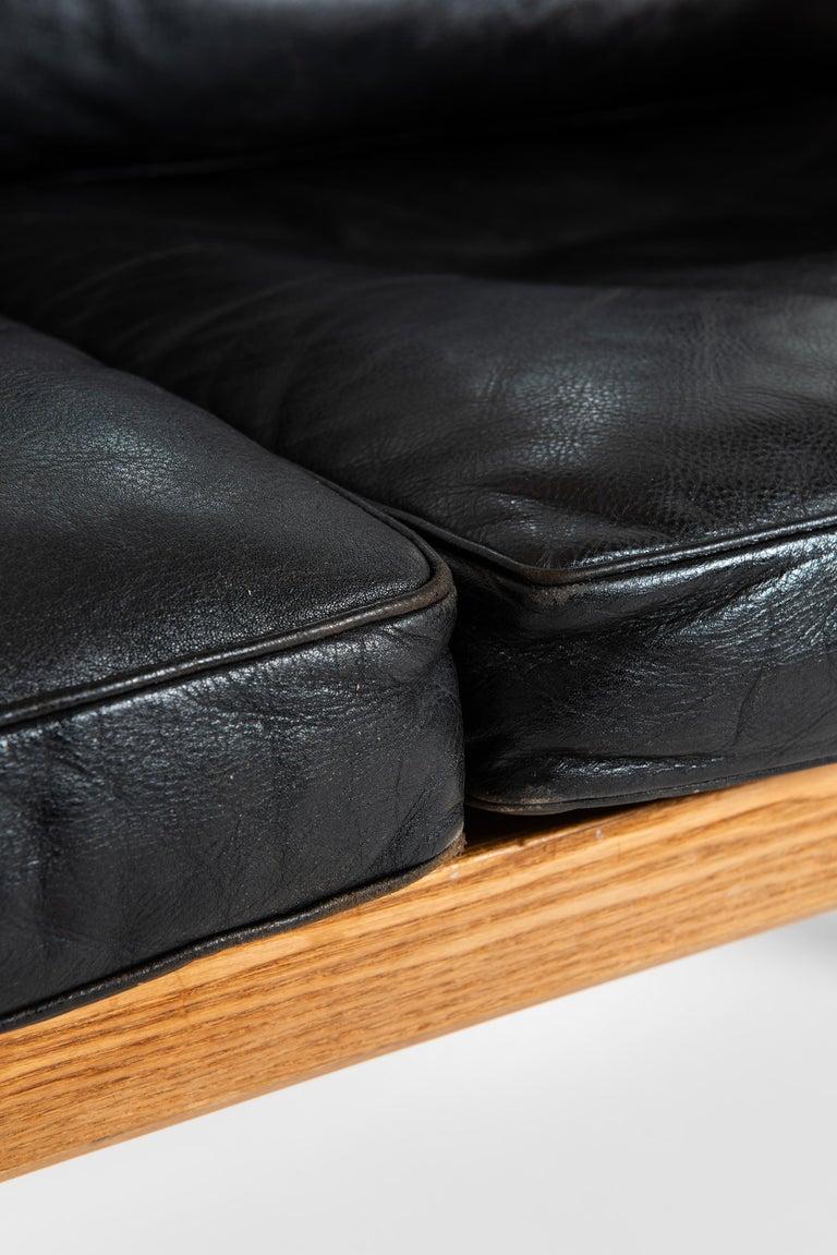 Scandinavian Modern Bernt Petersen Sofa Produced by Wørts Møbelsnedkeri in Denmark For Sale