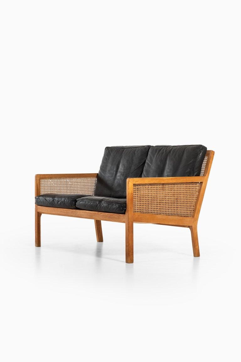 Danish Bernt Petersen Sofa Produced by Wørts Møbelsnedkeri in Denmark For Sale