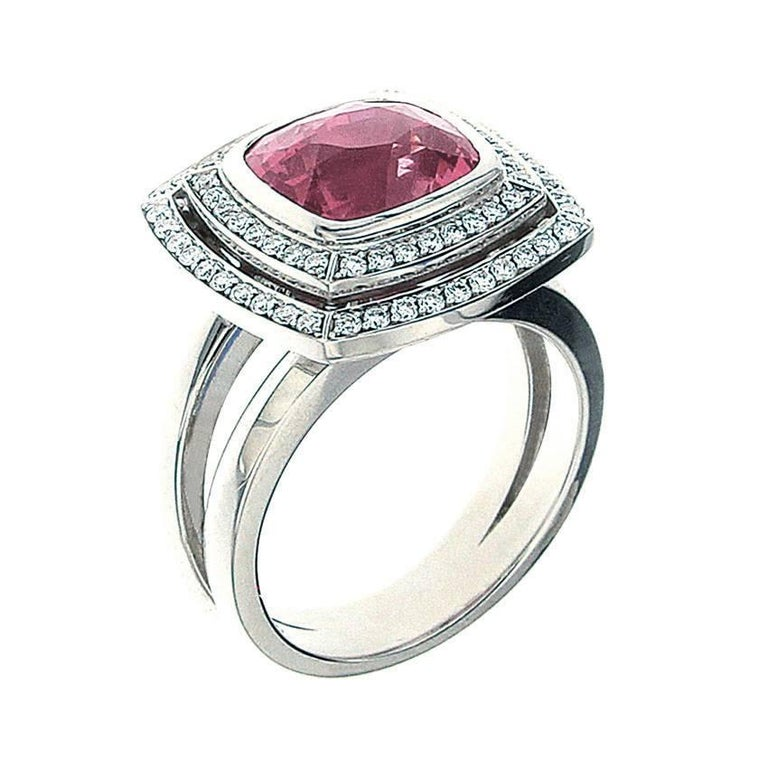Berquin Certified 5.08 Carat Pink Spinel Cushion Gold Cocktail Ring