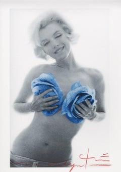 """Bert stern """"Marilyn Monroe blue wink roses    """" 2012"""