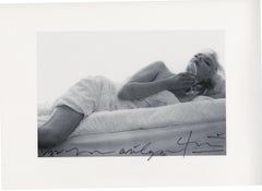 Marilyn Monroe . Wine on the bed . The last sitting (1964)