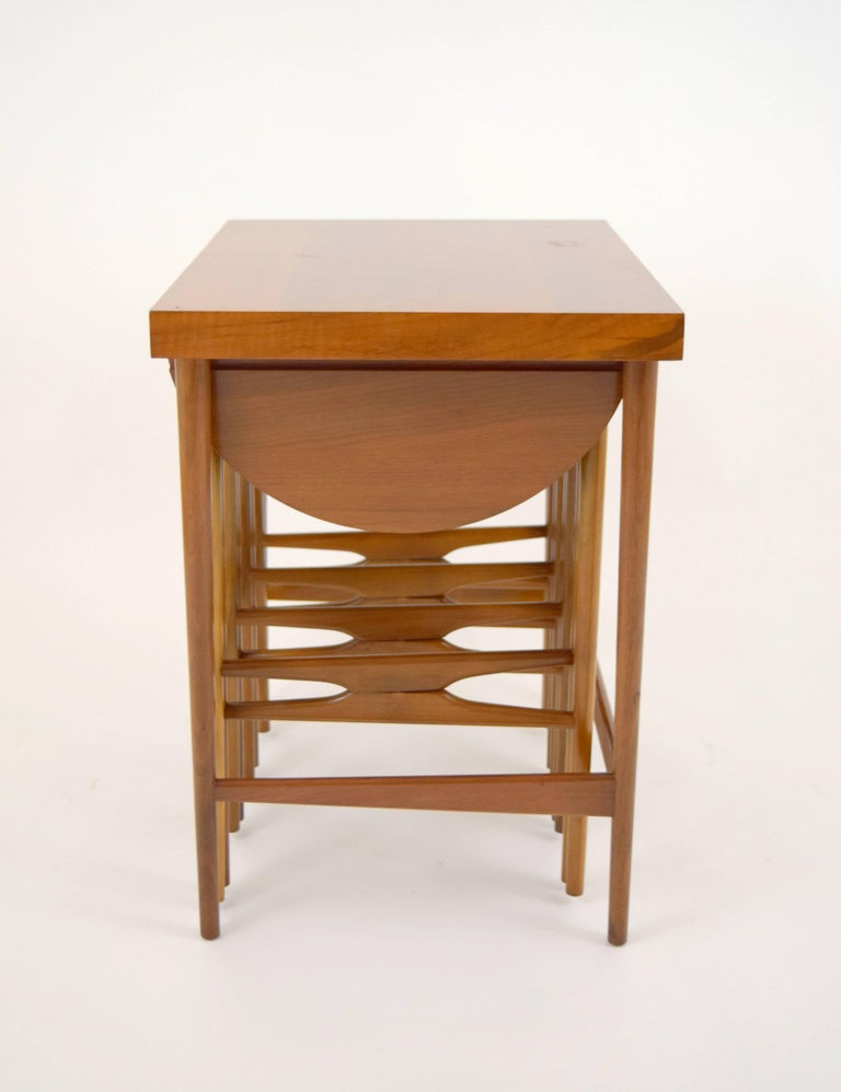 Bertha Schaefer for Singer & Sons Walnut Nesting Table Set In Good Condition For Sale In Chicago, IL