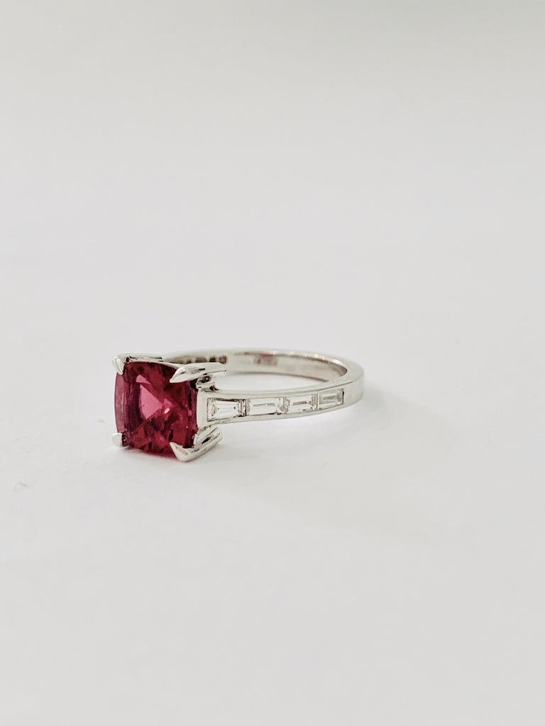 Bespoke 1.50 Carat AAAA Cushion Cut Rubellite and Diamond Ring in 18 Carat Gold In New Condition For Sale In Chislehurst, Kent
