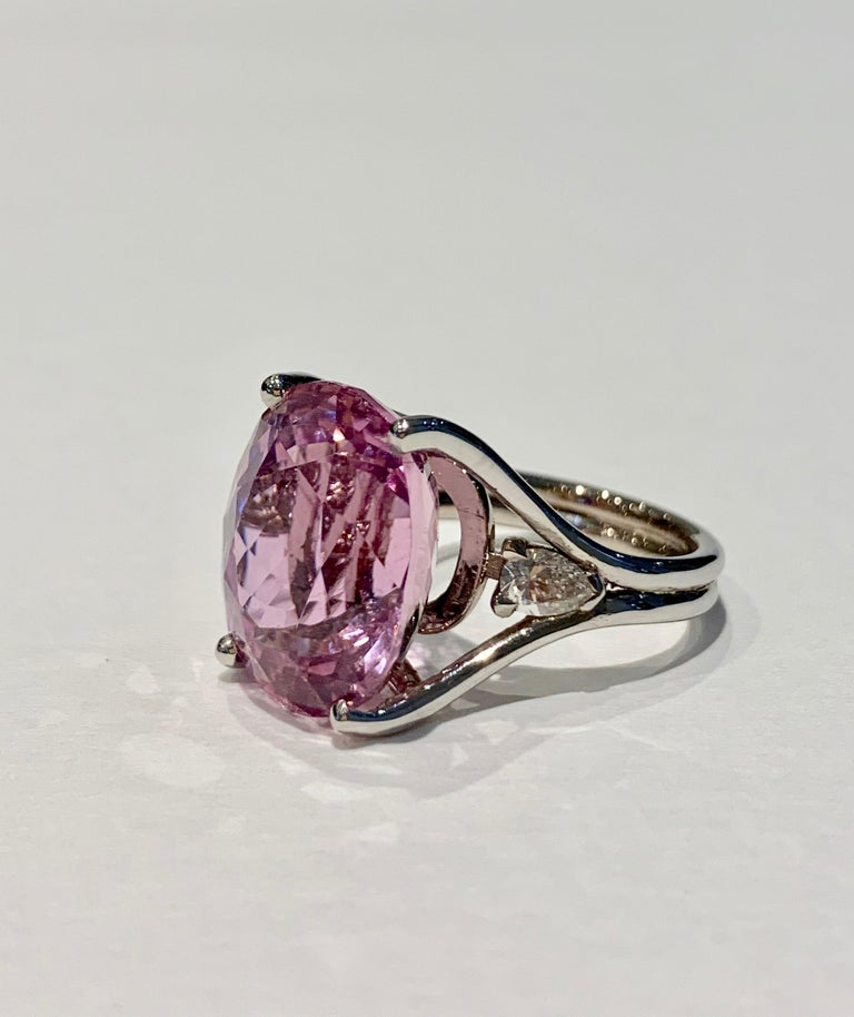 Oval Cut Bespoke 18 Carat Pink Oval Kunzite and Diamond Ring in 18 Carat White Gold For Sale