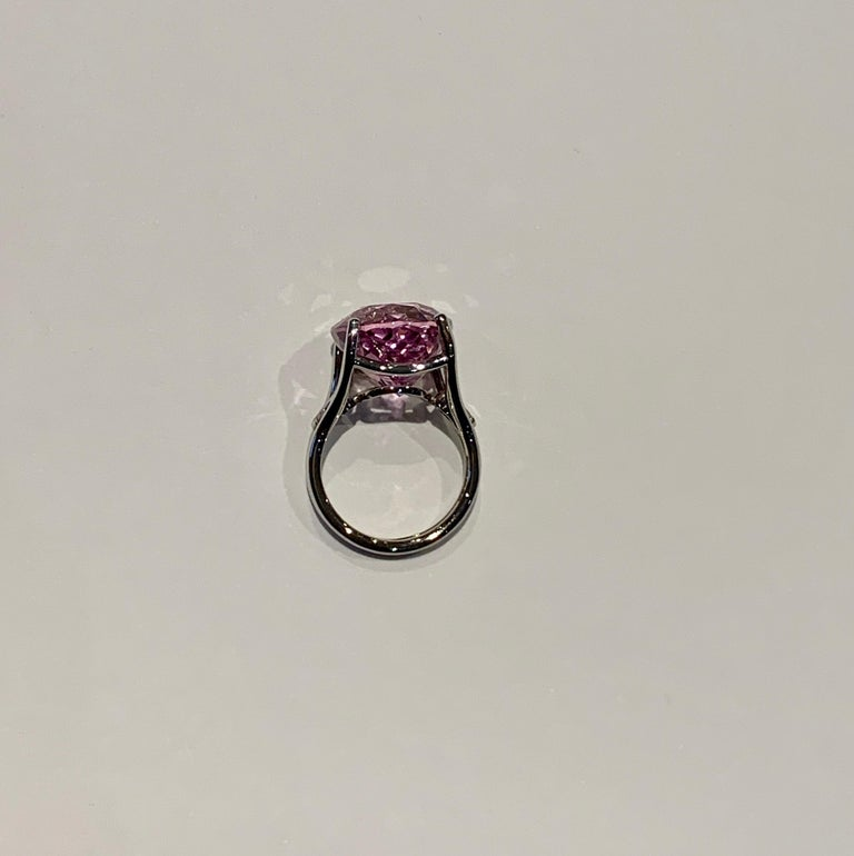 Bespoke 18 Carat Pink Oval Kunzite and Diamond Ring in 18 Carat White Gold For Sale 2