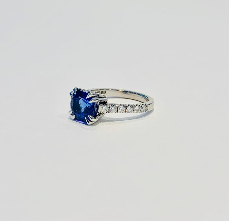 Modern Bespoke 2.69ct AAAA Cushion Cut Tanzanite and Diamond Ring in 18ct White Gold For Sale