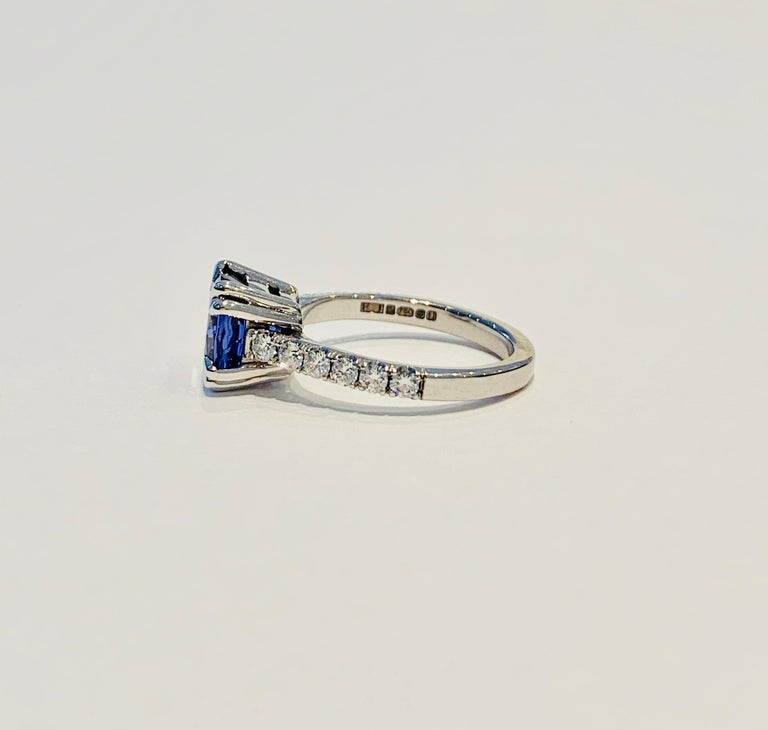 Bespoke 2.69ct AAAA Cushion Cut Tanzanite and Diamond Ring in 18ct White Gold In New Condition For Sale In Chislehurst, Kent
