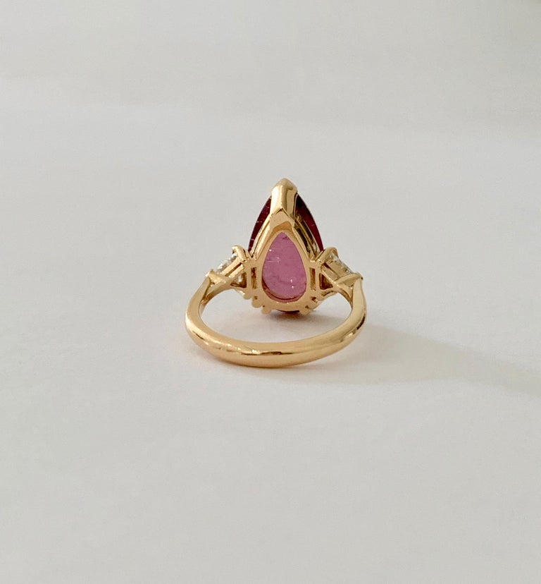 Bespoke 5.79 Carat Pink Pear Cut Cabochon Tourmaline and Diamond Ring In New Condition For Sale In Chislehurst, Kent