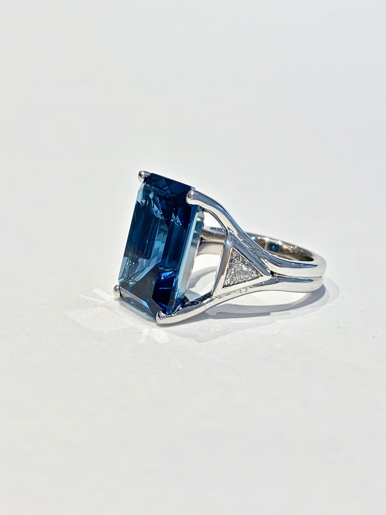 Modern Bespoke 7.20ct Octagon Cut London Blue Topaz and Diamond Ring in 18ct White Gold For Sale