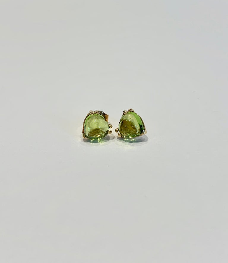 Trillion Cut Bespoke Heart Shaped Peridot Cabochon Earrings in 18 Carat Yellow Gold For Sale