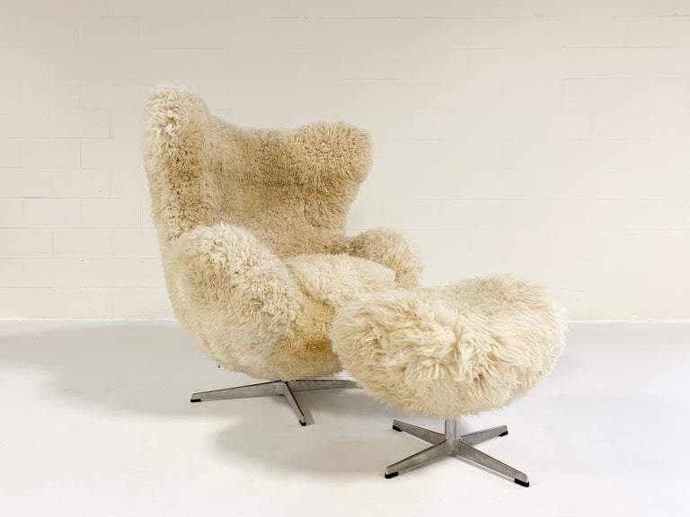 We have an incredible collection of vintage chairs and design icons waiting for a new life. Our authentic, upcylced Egg Chairs are some of our most popular designs.   This egg chair and ottoman will be made to order and restored with our signature