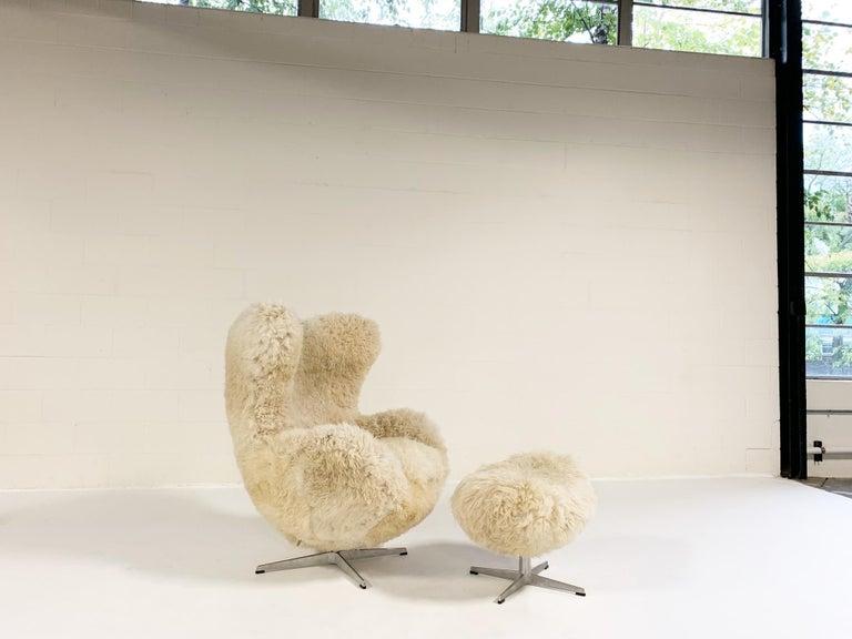 Scandinavian Modern Bespoke Arne Jacobsen Egg Chair and Ottoman in California Sheepskin