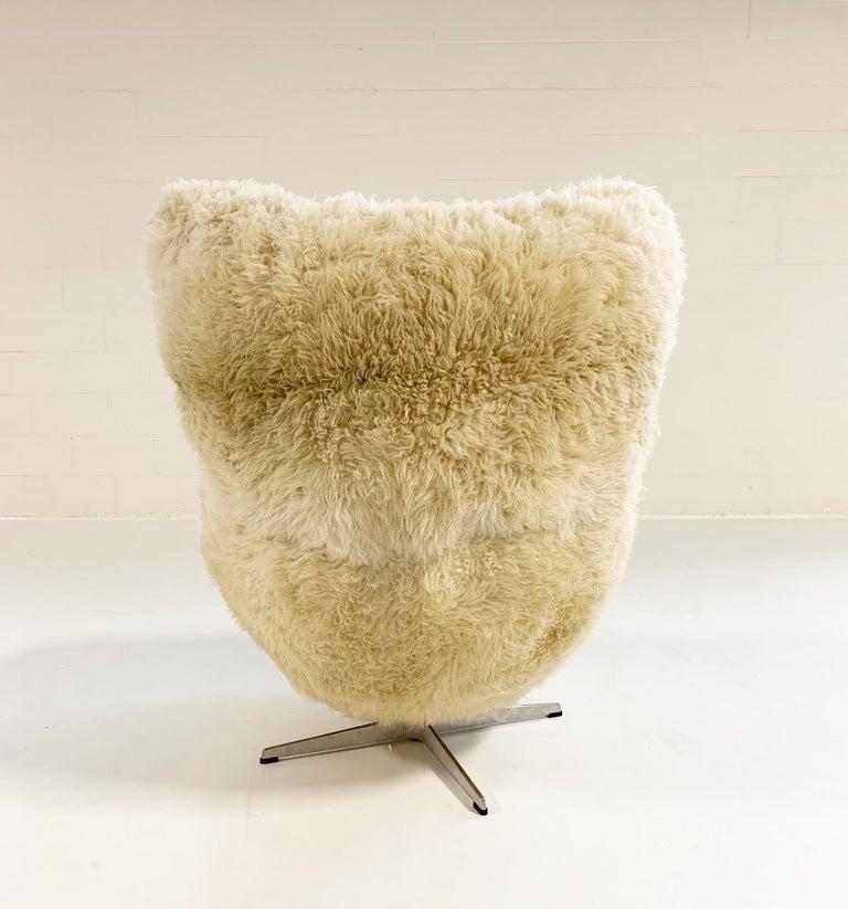 Bespoke Arne Jacobsen Egg Chair and Ottoman in California Sheepskin 3