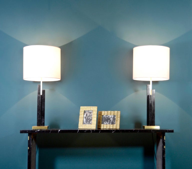Bespoke Art Deco Design Skyline Pair of Black Marble and Satin Brass Table Lamps For Sale 4