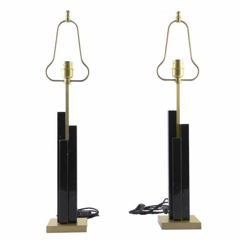 Italian Art Deco Style Pair of Black White Marble Satin Brass Modern Table Lamps For Sale 1