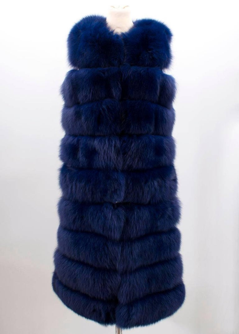 Bespoke Blue Fox Fur Vest- Coat (Size: US 6/S)  In New Condition For Sale In London, GB