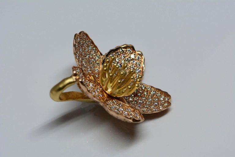Contemporary Cherry Blossom Pendant with 2.20ct Pavé Set Diamonds 20kt Rose Gold For Sale