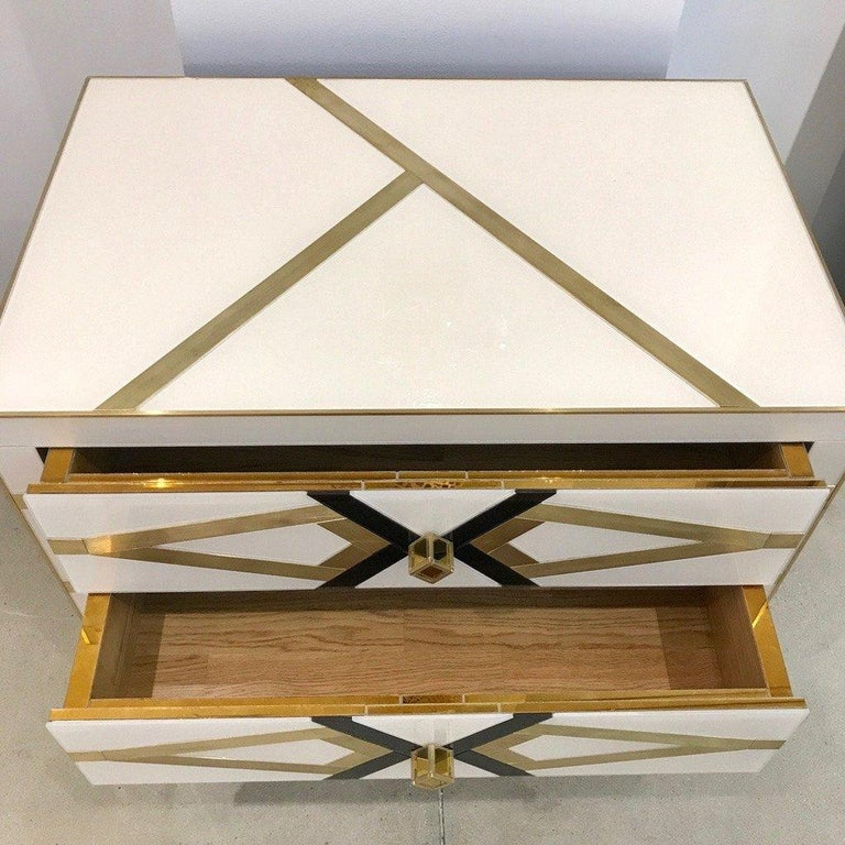 Bespoke Cosulich Creation Gold Brass Black & White Side Tables/Nightstands, Pair In New Condition For Sale In New York, NY