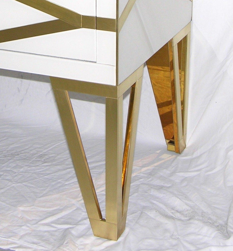 Contemporary Bespoke Cosulich Creation Gold Brass Black & White Side Tables/Nightstands, Pair For Sale