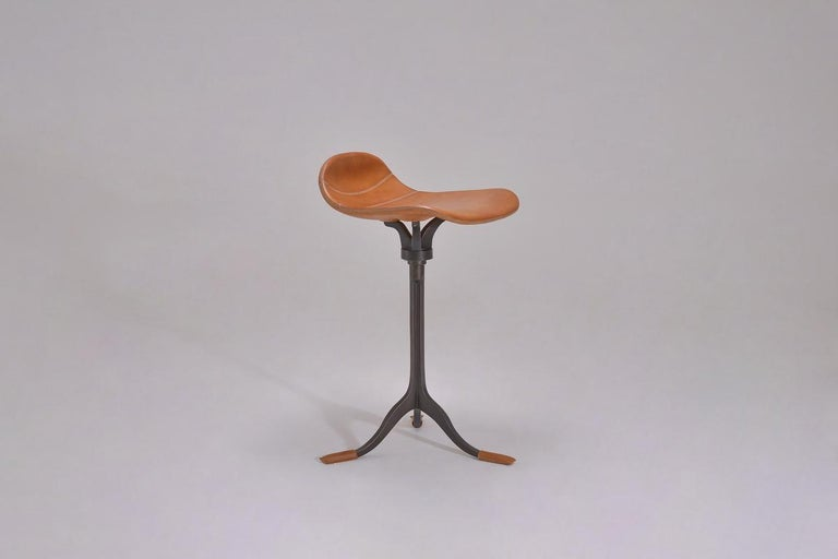 Mid-Century Modern Bespoke Counter-Height Swivel Stool, Leather and Brass by P. Tendercool For Sale