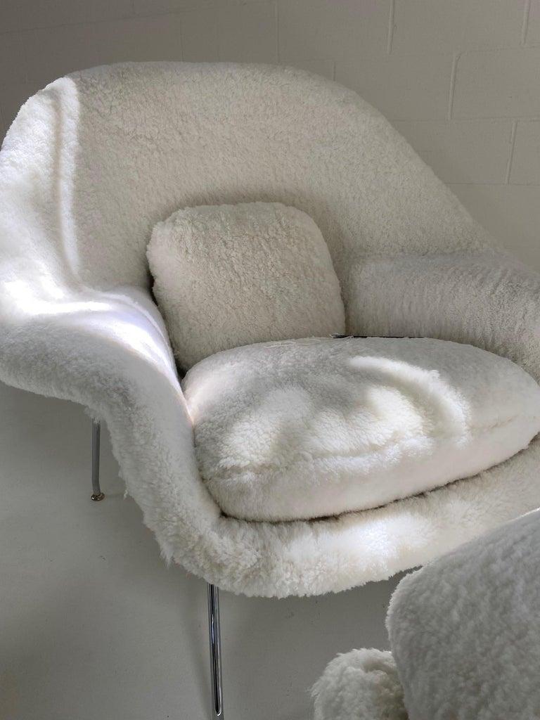 Bespoke Eero Saarinen Womb Chair and Ottoman in Australian Sheepskin For Sale 13