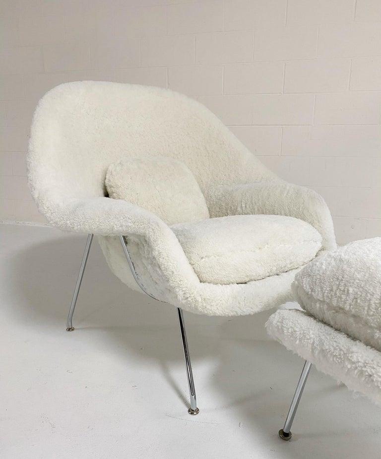 Bespoke Eero Saarinen Womb Chair and Ottoman in Australian Sheepskin In Excellent Condition For Sale In SAINT LOUIS, MO