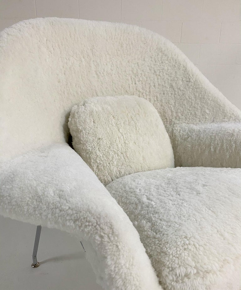 Bespoke Eero Saarinen Womb Chair and Ottoman in Australian Sheepskin For Sale 3
