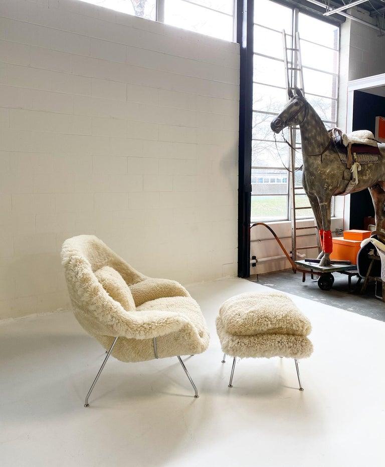 Mid-Century Modern Bespoke Eero Saarinen Womb Chair and Ottoman in California Sheepskin For Sale
