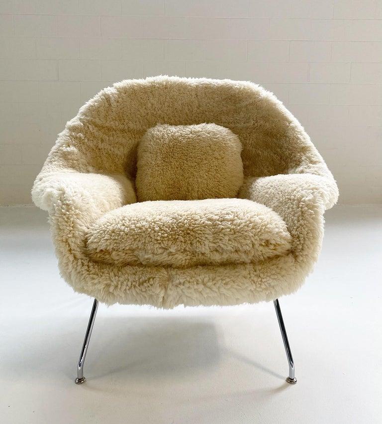 Bespoke Eero Saarinen Womb Chair and Ottoman in California Sheepskin For Sale 1