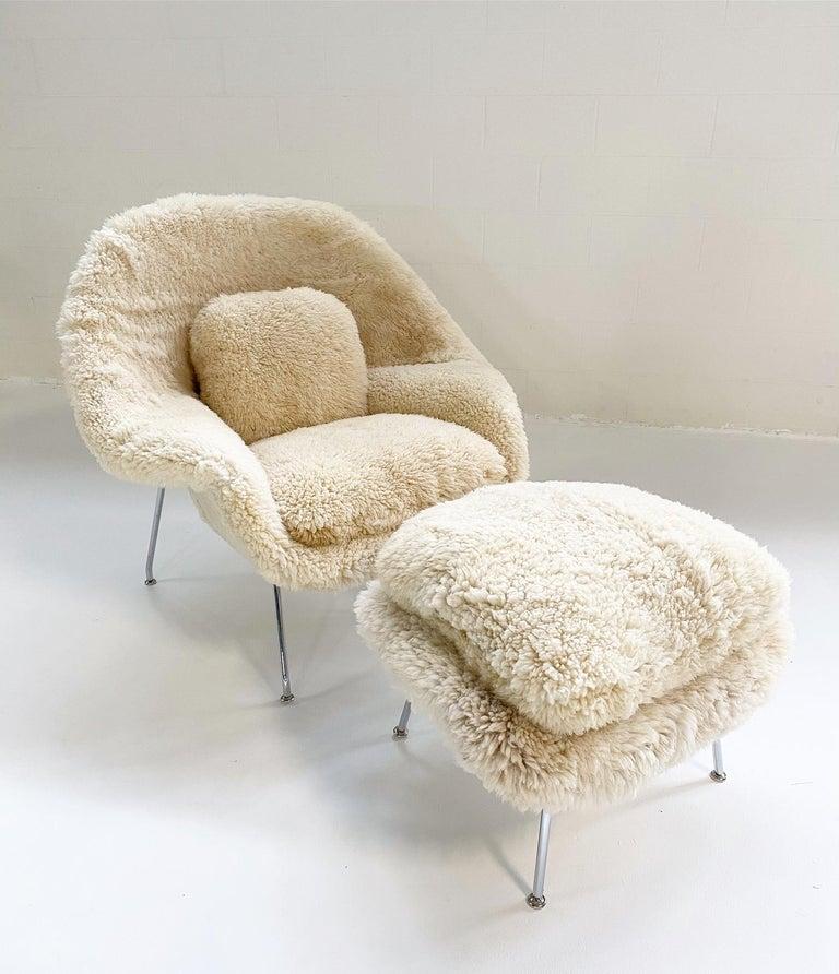 Bespoke Eero Saarinen Womb Chair and Ottoman in California Sheepskin For Sale 2