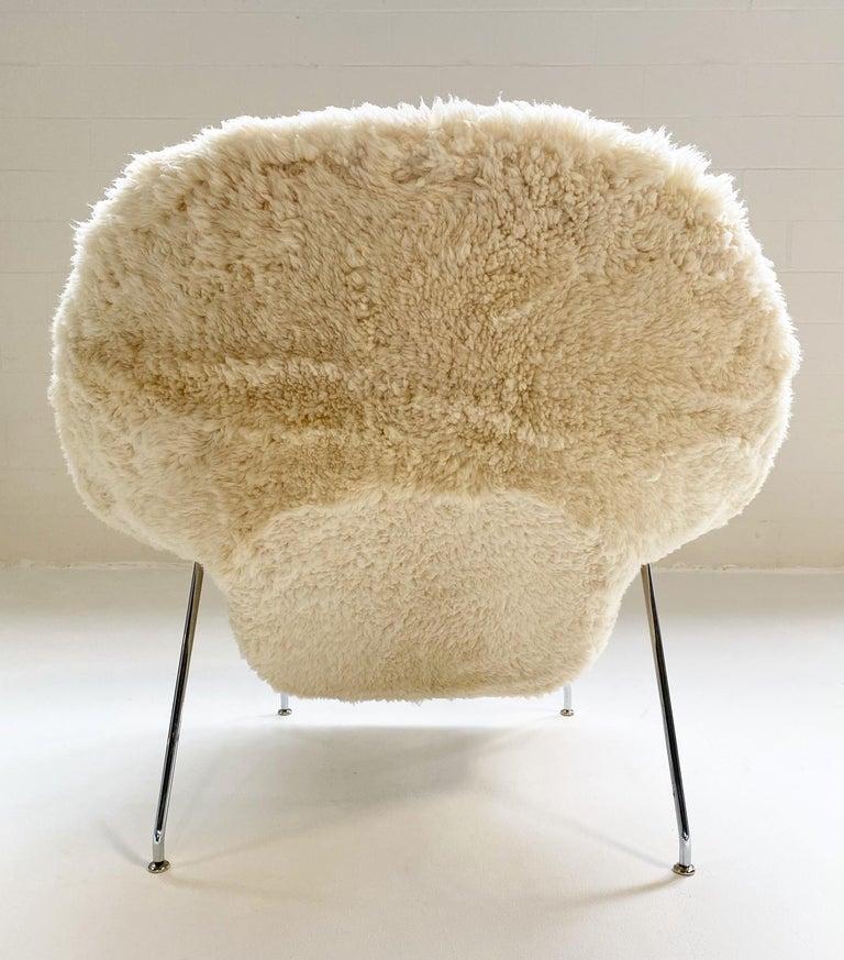 Bespoke Eero Saarinen Womb Chair and Ottoman in California Sheepskin For Sale 3
