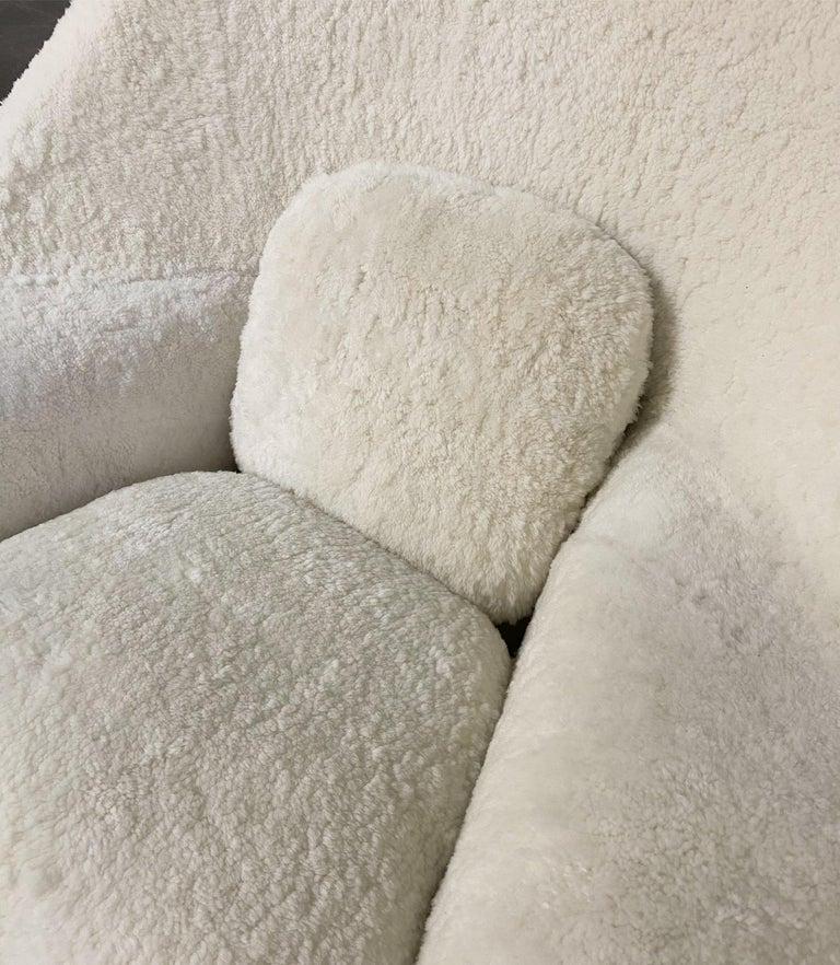 Bespoke Eero Saarinen Womb Chair in Australian Sheepskin In Excellent Condition For Sale In SAINT LOUIS, MO