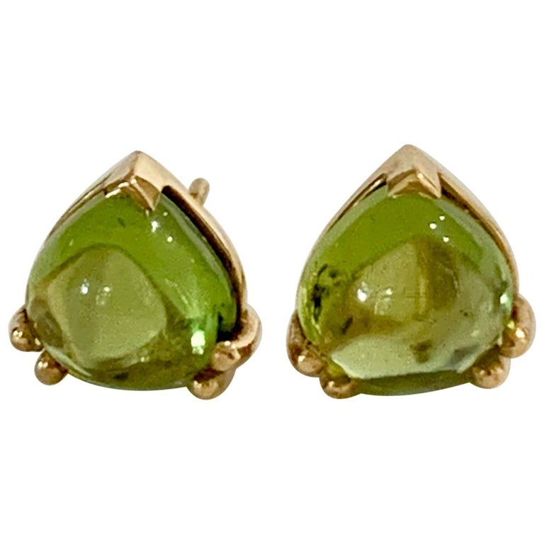 Bespoke Heart Shaped Peridot Cabochon Earrings in 18 Carat Yellow Gold For Sale