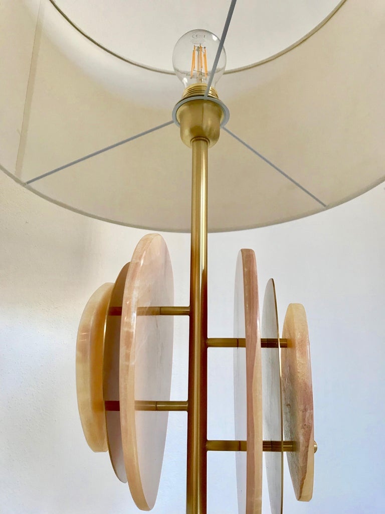 Contemporary Bespoke Italian Organic Modern Amber Onyx Satin Brass Satellite Table Lamp For Sale