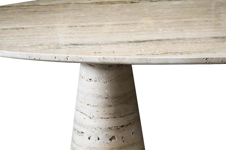 Bespoke Italian Travertine Oval Dining Table In New Condition For Sale In London, London