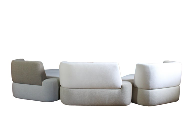 Bespoke Organic Sofa in White, Cream, Brown Wool Handmade in France Customizable In New Condition For Sale In MONTROZIER, FR