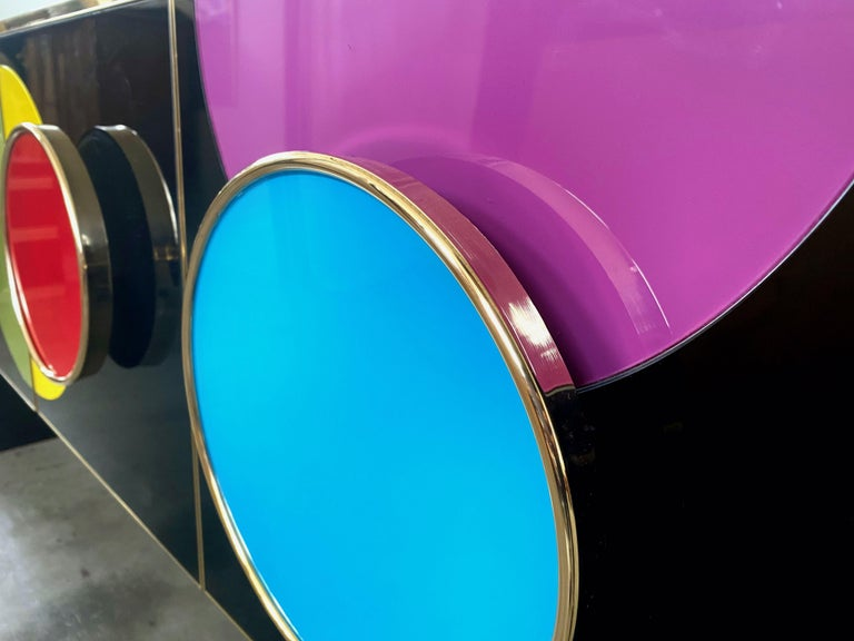 Italian Bespoke Postmodern Style Colored Glass and Brass Console Sideboard For Sale