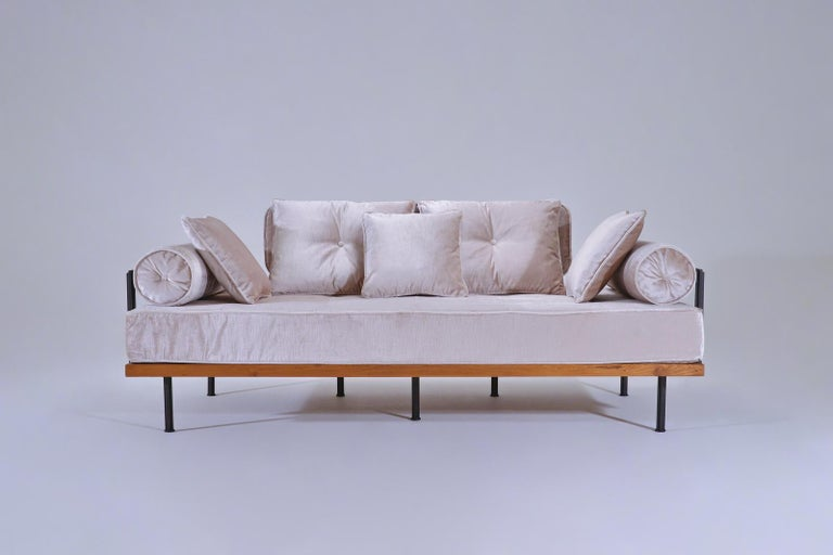 Model: PT71-BS3-TE-DO two-seat sofa Frame: Reclaimed hardwood Frame finish: Diamond oil Structure: Extruded and hand-welded solid brass rods Structure finish: Brown brass Seat material: 100% latex Upholstery: JT Chedi - Camel Dimensions: 170 x 87 x