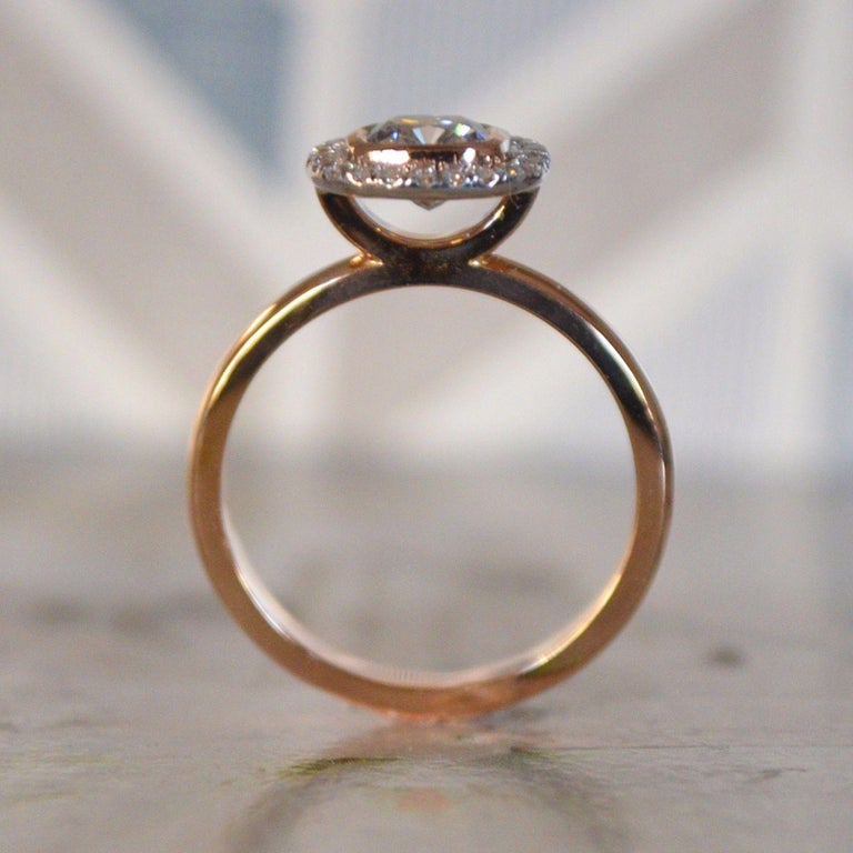 Modern Best Ring, 1 Carat Center Round with Diamond Halo Set in 18 Karat Rose Gold For Sale