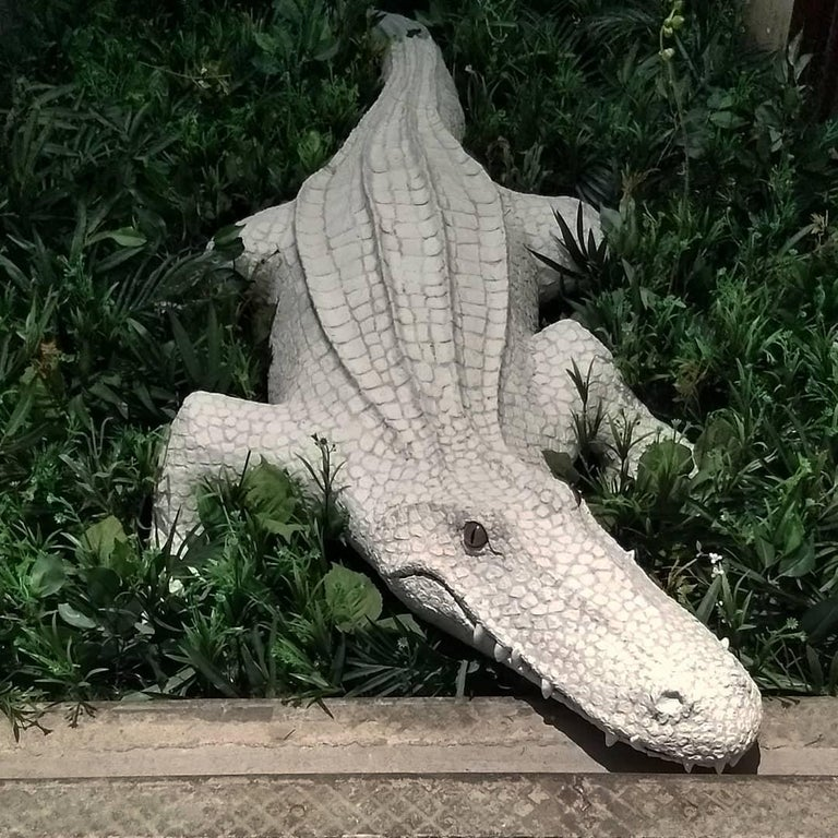 Giant White Alligator Wall Sculpture Contemporary Paper Porcelain Krull 2018 For Sale 5