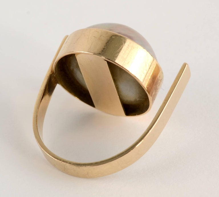 Betty Cooke Mabe Pearl Gold Ring In Excellent Condition For Sale In Darnestown, MD