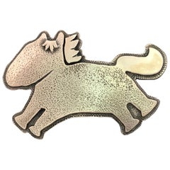 Beverly Hills Yazzie, sterling silver pendant Melanie Yazzie Horse Navajo